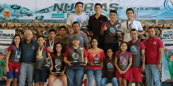 Selección Delfín, campeona de la IV Copa Nutrias