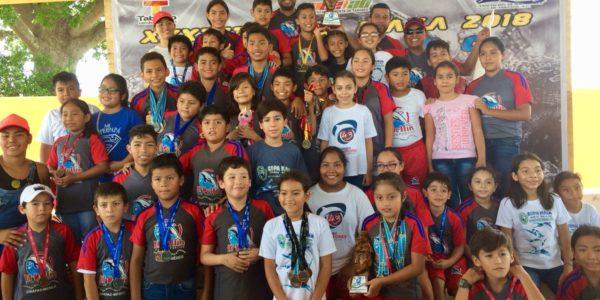 Campeones de la 33 Copa Maya de Natación Foto 1