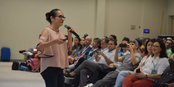 Mónica Anzueto en Congreso Internacional Foto 1